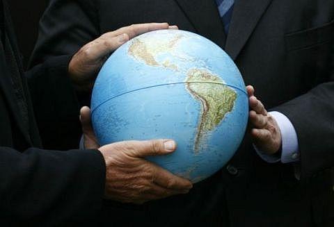 Как банкиры получили в свою собственность Землю