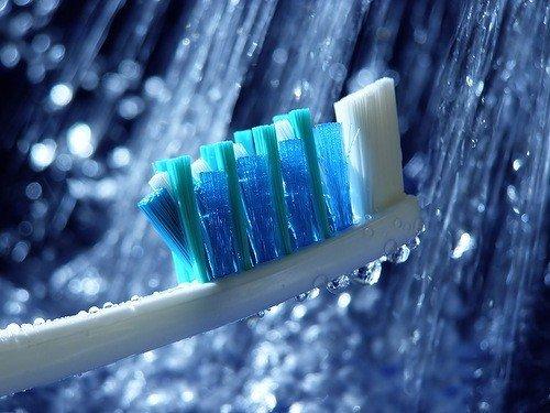 Чем мы чистим зубы