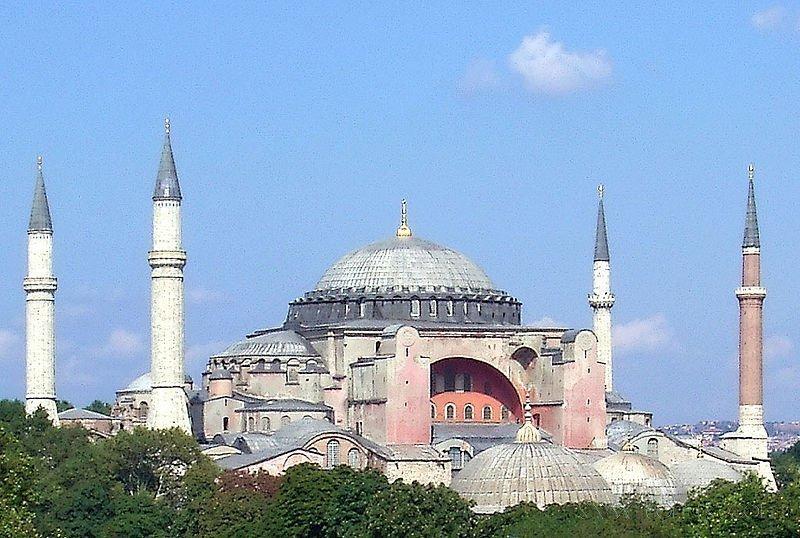 Турки, например при захвате Константинополя в 1453г из Софийского собора сделали... мечеть.