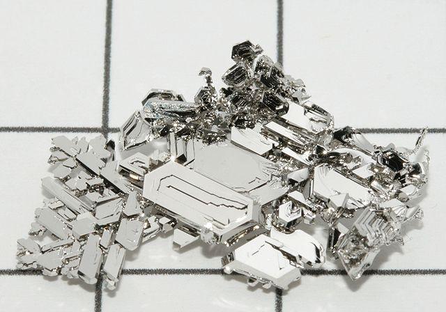 640px-Platinum_crystals