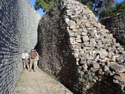 1365144907_great-zimbabwe-ruins2