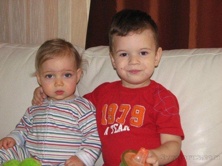 1374079164_maksimka-i-deniska-v-iyule-2010-szhatyy-fayl
