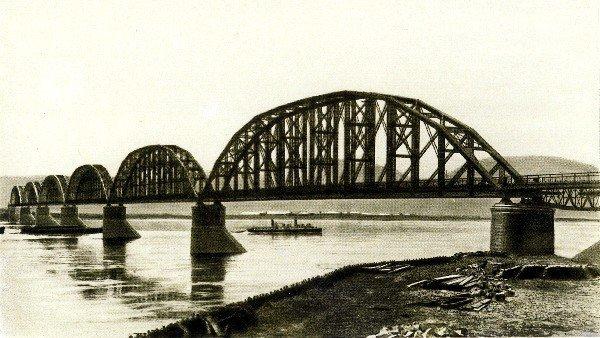 Общий вид моста через р. Енисей