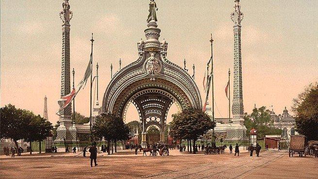 Главный вход в выставочный павильон. Париж, 1900