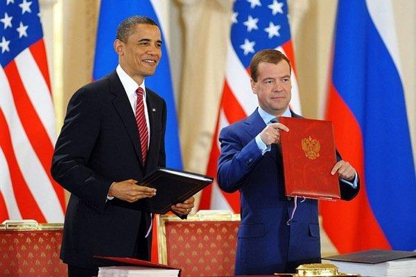 В своём ответном слове Обама поблагодарил российского президента за контракты на покупку американских самолетов, ради чего последнему пришлось нарушить конституционную клятву, предав интересы народа России