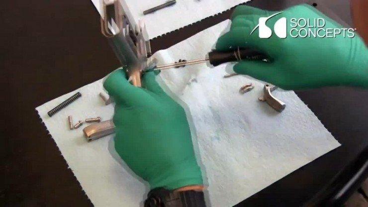 1383919620_3d-printed-metal-gun-vlcsnap-2013-11-08-16h01m25s87
