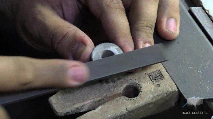 1383919997_3d-printed-metal-gun-vlcsnap-2013-11-08-16h16m17s105