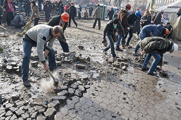 Милиция призвала граждан Украины воздержаться от поездок в центр Киева