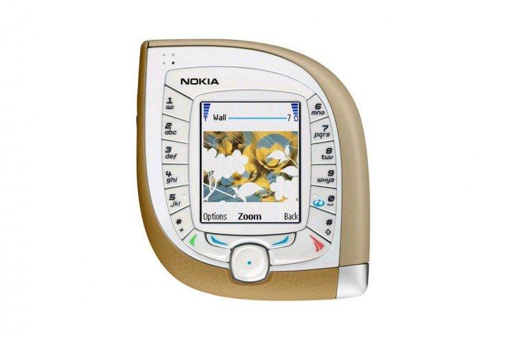 Nokia7600[1]