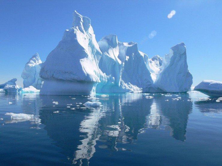 priroda-Arktiki-aysbergi