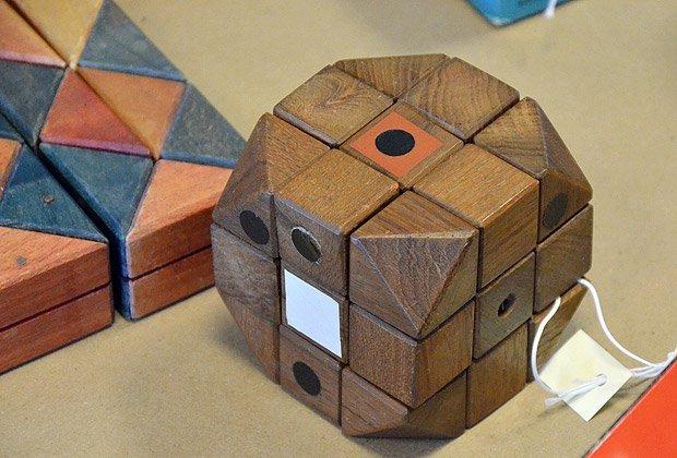 Деревянный опытный образец кубика Рубика Фото: Liberty Science Center