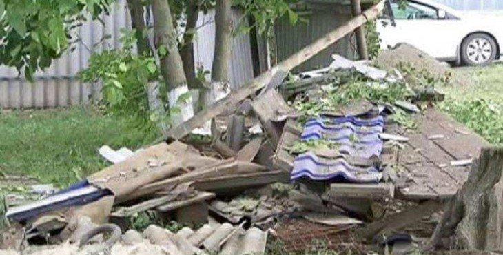 Снаряд с Украины попал в дом хутора Васецкий Ростовской области