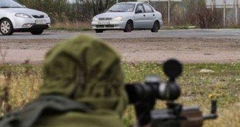 «Пусть лучше скачут, чем стреляют». Что происходит с пленными в Донецке?