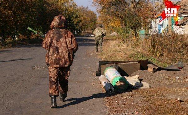 Поселок Никишино, две трети контролирует ополчение, на остальной территории — украинские войска.