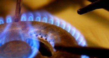 Не платят все. Яценюк просит украинцев отдать долги за газ