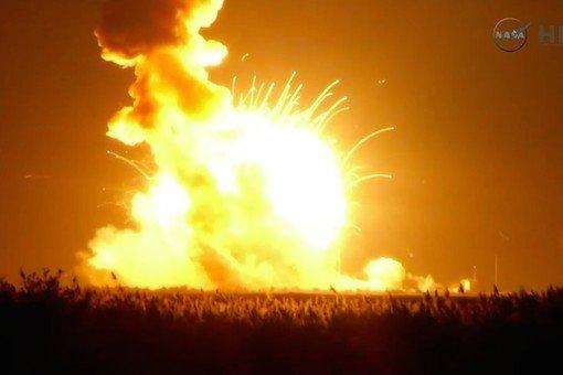 cygnus-launch-antares-explosion0-pic510-510x340-87073