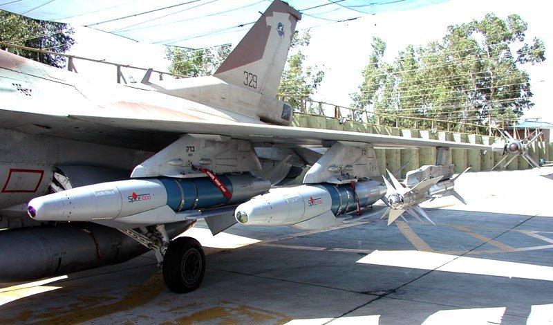Spice-1000 (Rafael) на пилоне истребителя