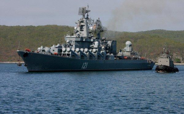 """Встреча ракетного крейсера """"Москва"""" в Приморском крае"""