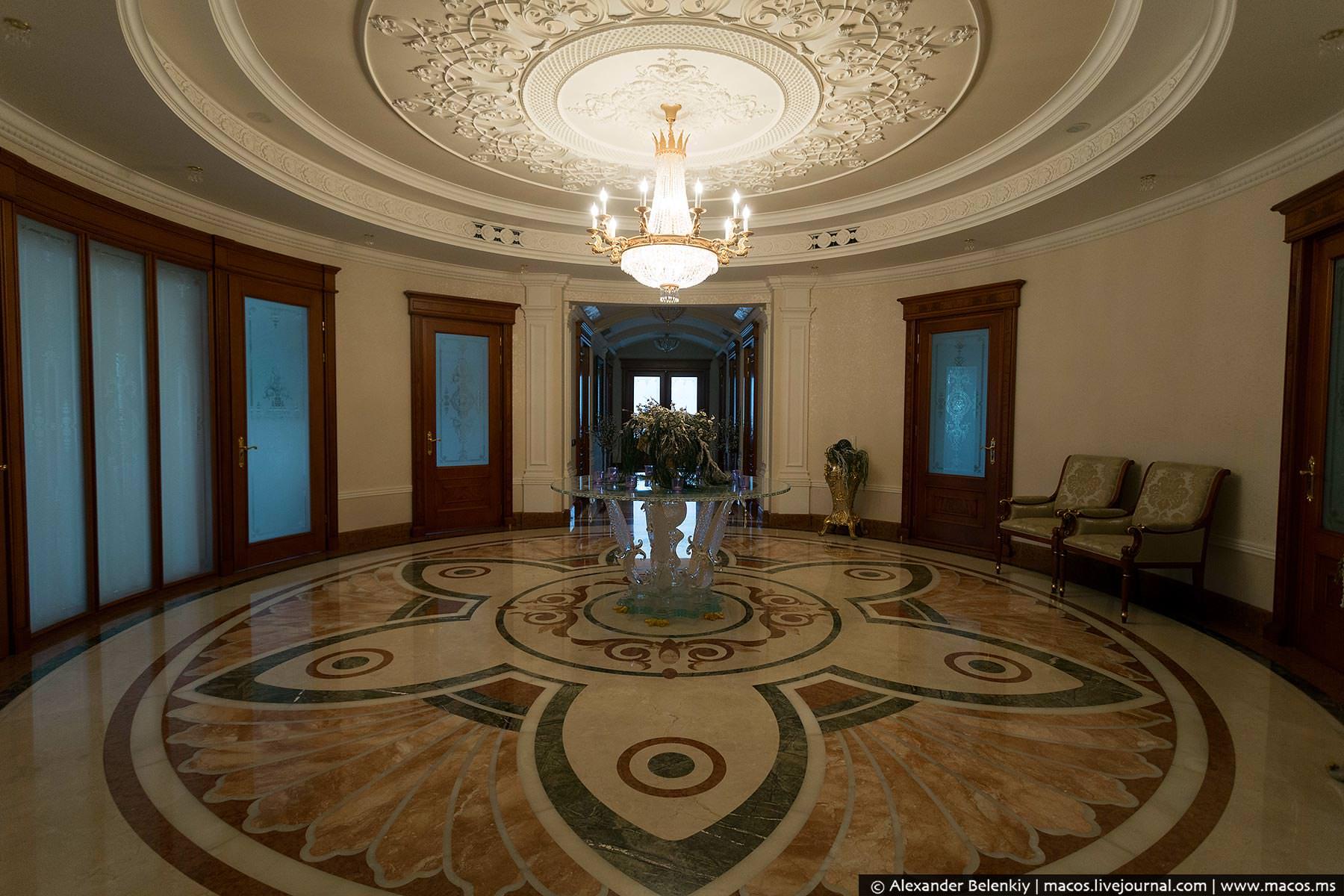 http://www.pravda-tv.ru/wp-content/uploads/2014/11/LR2014.10-UA-Residence-20.jpg