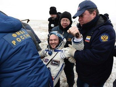 """""""Союз ТМА-13М"""" приземлился в Казахстане"""