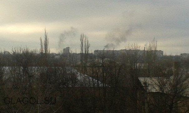 03.02 16:12 мск. Донецк, 10 минут назад ВСУ положили полный пакет на стадион «Кировец» в районе Донецкого коксохимического завода. Также горят 2 многоэтажки и несколько частных домов в районе площади Бакинских комиссаров, 2 убитых, раненых нет.