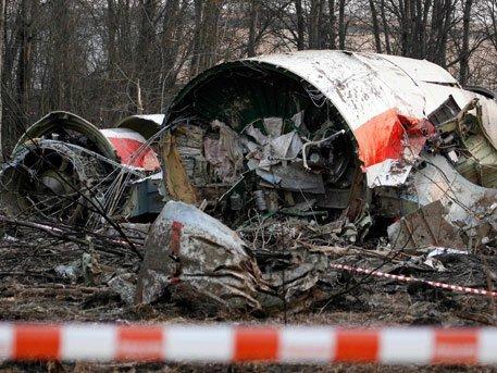 Разбитый самолет польского президента Леха Качиньского