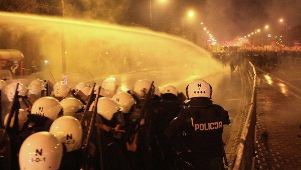 © AP Photo/ Czarek Sokolowski