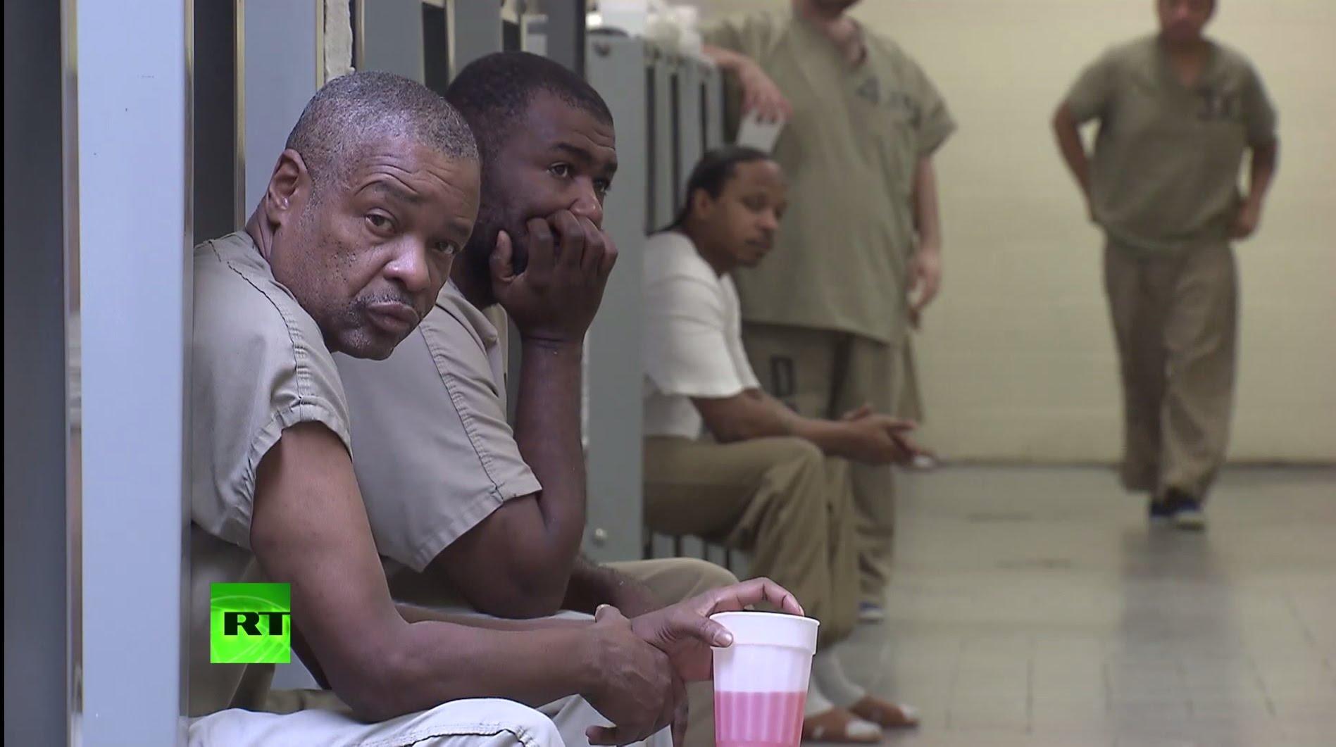 Тюрьма как там издеваются над женщинами