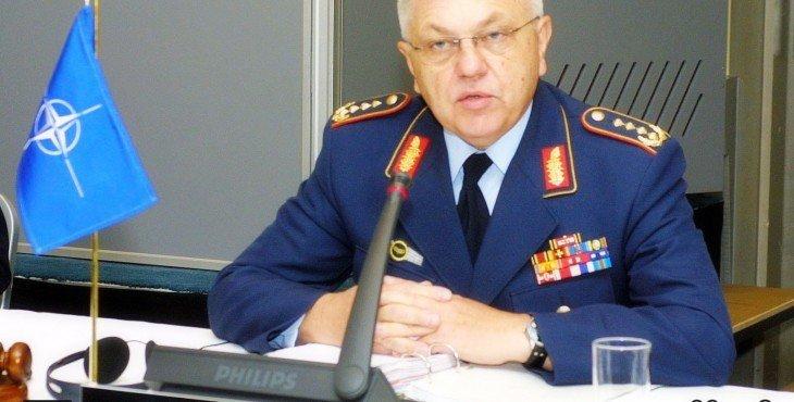 Натовский генерал обвинил Порошенко в наглой лжи