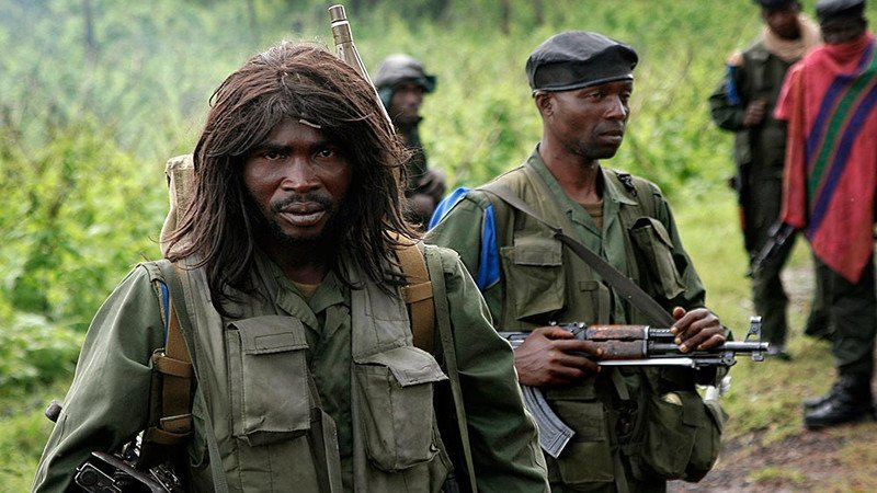 Congolese government forces on the front line north of  the village of Kibati, north of Goma, eastern Congo, Sunday Nov. 9, 2008. where fighting between rebels and the government has left tens of thousands of refugees desperate for international aid.(AP Photo/Jerome Delay)