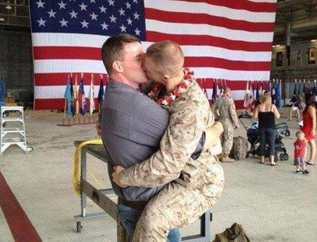 Фото гей военных