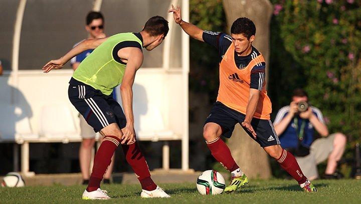 Тренировка юношеской сборной России до 19 лет