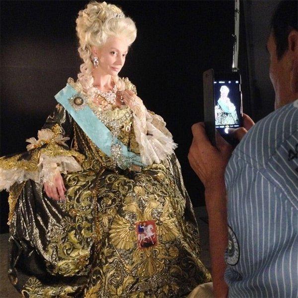 """Кристина Орбакайте на съемках """"Гардемаринов"""". Фото: Личная страничка героя публикации в соцсети"""