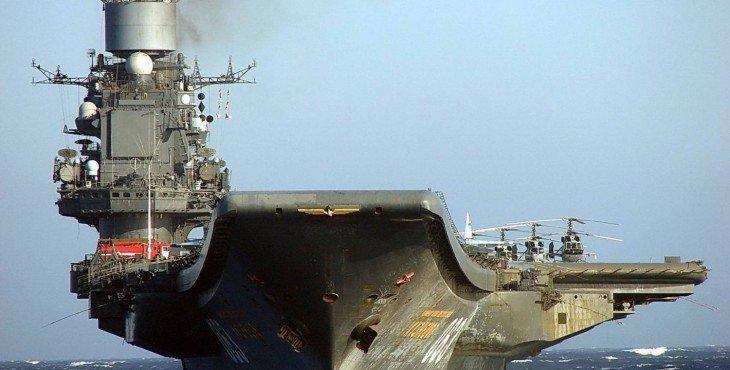 Avianosets-admiral-Kuznetsov-v-morskom-pohode