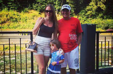 Дмитрий Дибров с сыном и женой. Фото: Instagram