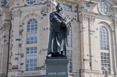 Памятник Мартину Лютеру в Дрездене (Фото: Andreas Juergensmeier, Shutterstock)