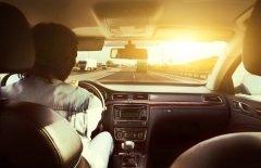 Автомобили незаменимы, и их с каждым годом становится все больше (Фото: Krivosheev Vitaly, Shutterstock)