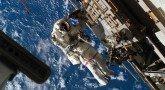 mks-i-astronavty-v-otkrytom-kosmose