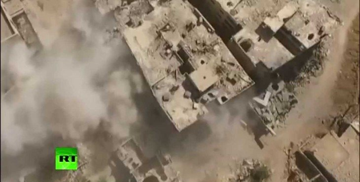 Опубликовано снятое с беспилотника видео наступления сирийской армии на позиции ИГ
