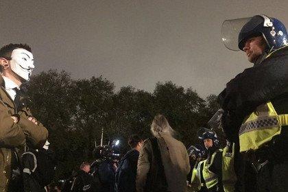 полиция нервничает из-за масок