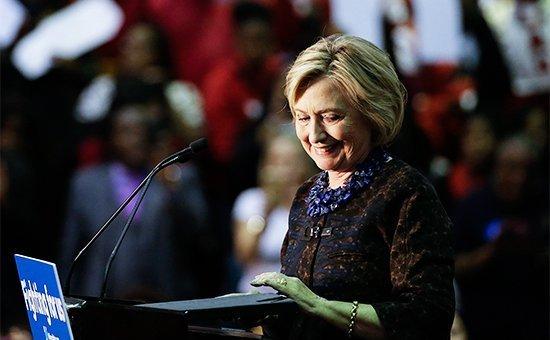 Клинтон в центре скандала
