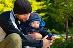 День отца в Эстонии отмечается во второе воскресенье ноября (Фото: Joshua Rainey Photography, Shutterstock)