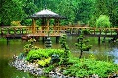 Строго-величественные и безупречные японские сады — неотъемлемая часть культуры (Фото: Dariush M, Shutterstock)
