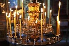 Было принято молиться в этот день иконе Скорбящей Божьей Матери, просить ее избавить от скорби и болезней (Фото: ID1974, Shutterstock)