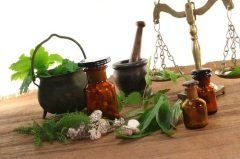 В этот день заваривали-запаривали разные лекарственные травы и коренья... (Фото: photo-oasis, Shutterstock)