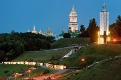 Мемориал памяти жертв голодоморов на Украине (Фото: Havoc, Shutterstock)