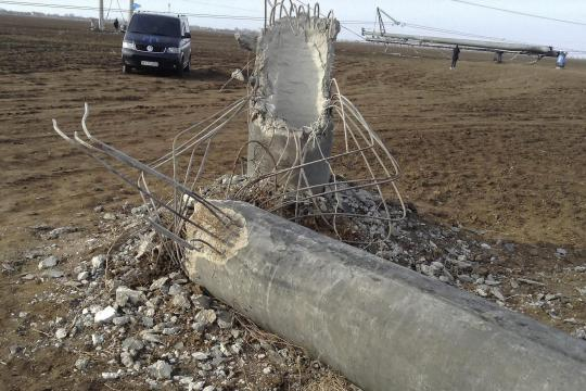 Crimean-peninsula-suffers-blackout-after-power-line-explosions-4-