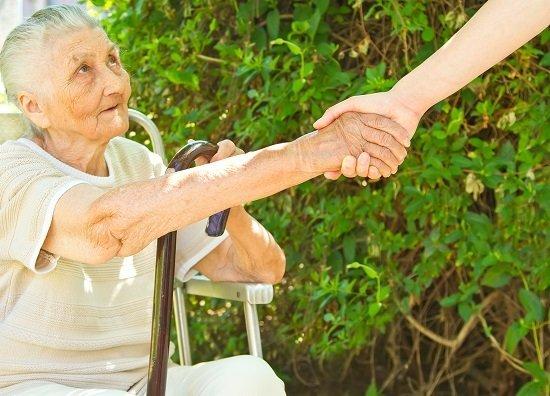 С каждым таким, простым по сути, поступком становится кому-то лучше, а значит и больше доброты в мире (Фото: giorgiomtb, Shutterstock)