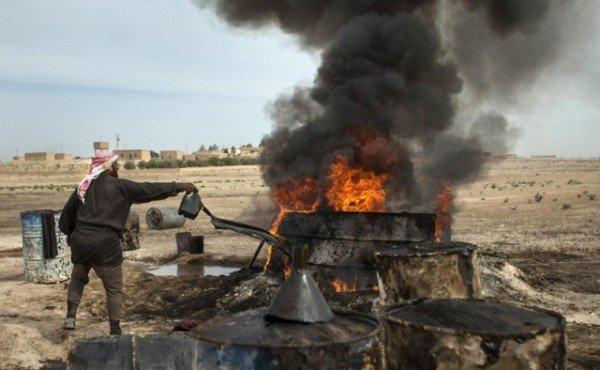 Теракты в Париже: ИГ переносит в Европу пламя уничтоженных в Сирии нефтяных вышек