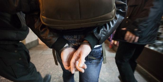 spetssluzhby-zaderzhali-predpolagaemogo-terrorista-v-peterburge